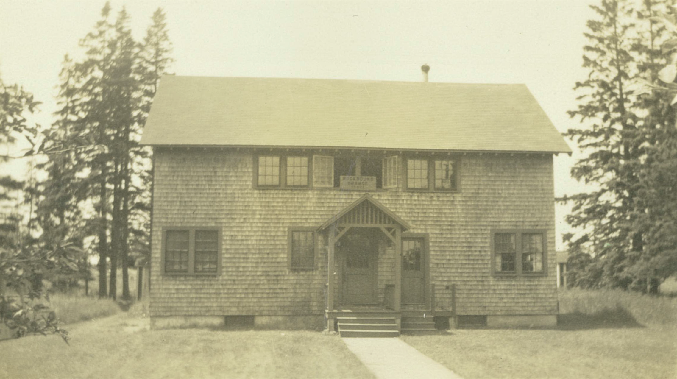 Picture of the Islesford Neighborhood House circa 1950